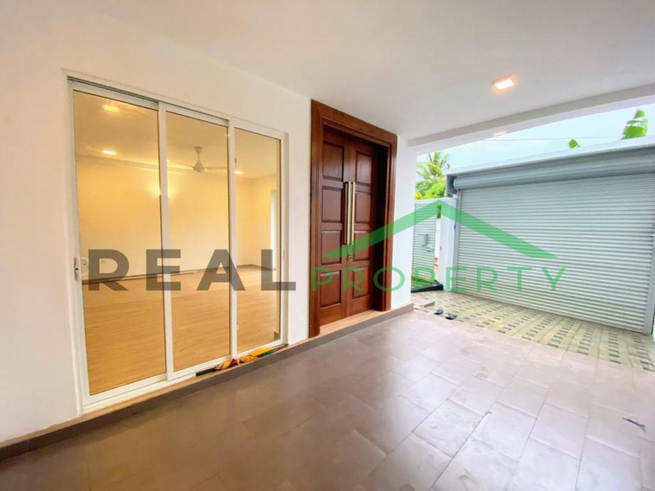 Brand New Luxury House for Sale in Thalawathugoda-image 2