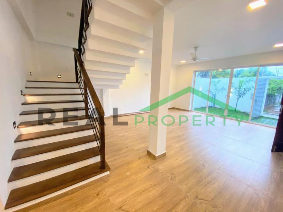 Brand New Luxury House for Sale in Thalawathugoda-image 3