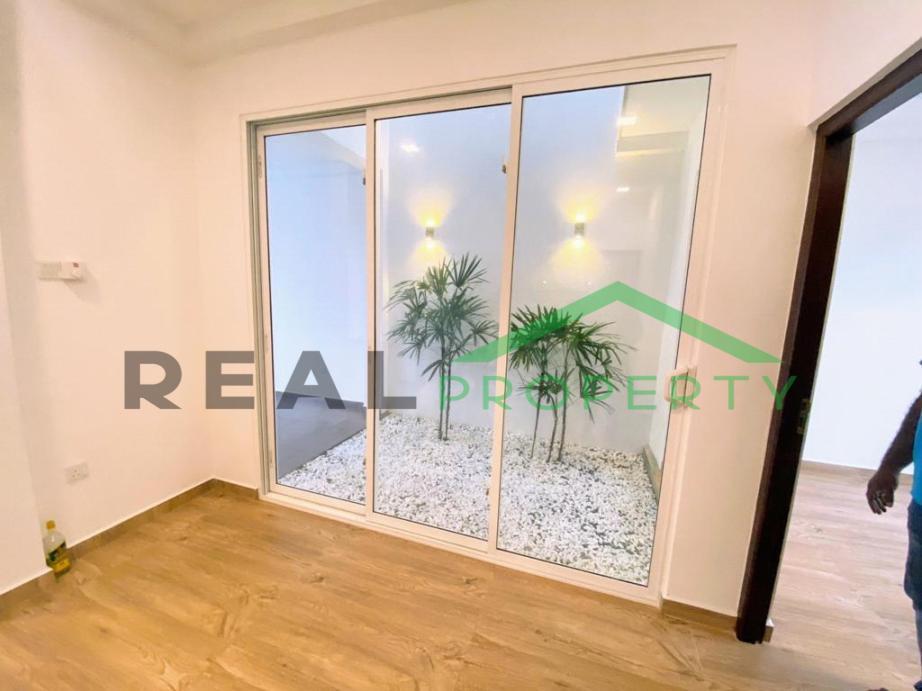 Brand New Luxury House for Sale in Thalawathugoda-image 7