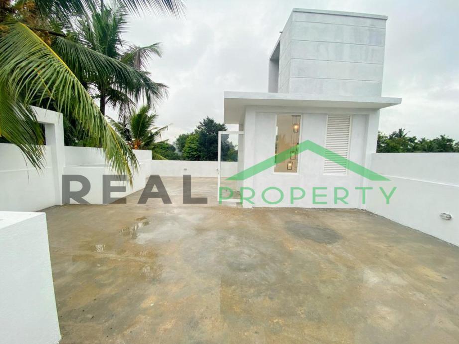 Brand New Luxury House for Sale in Thalawathugoda-image 9
