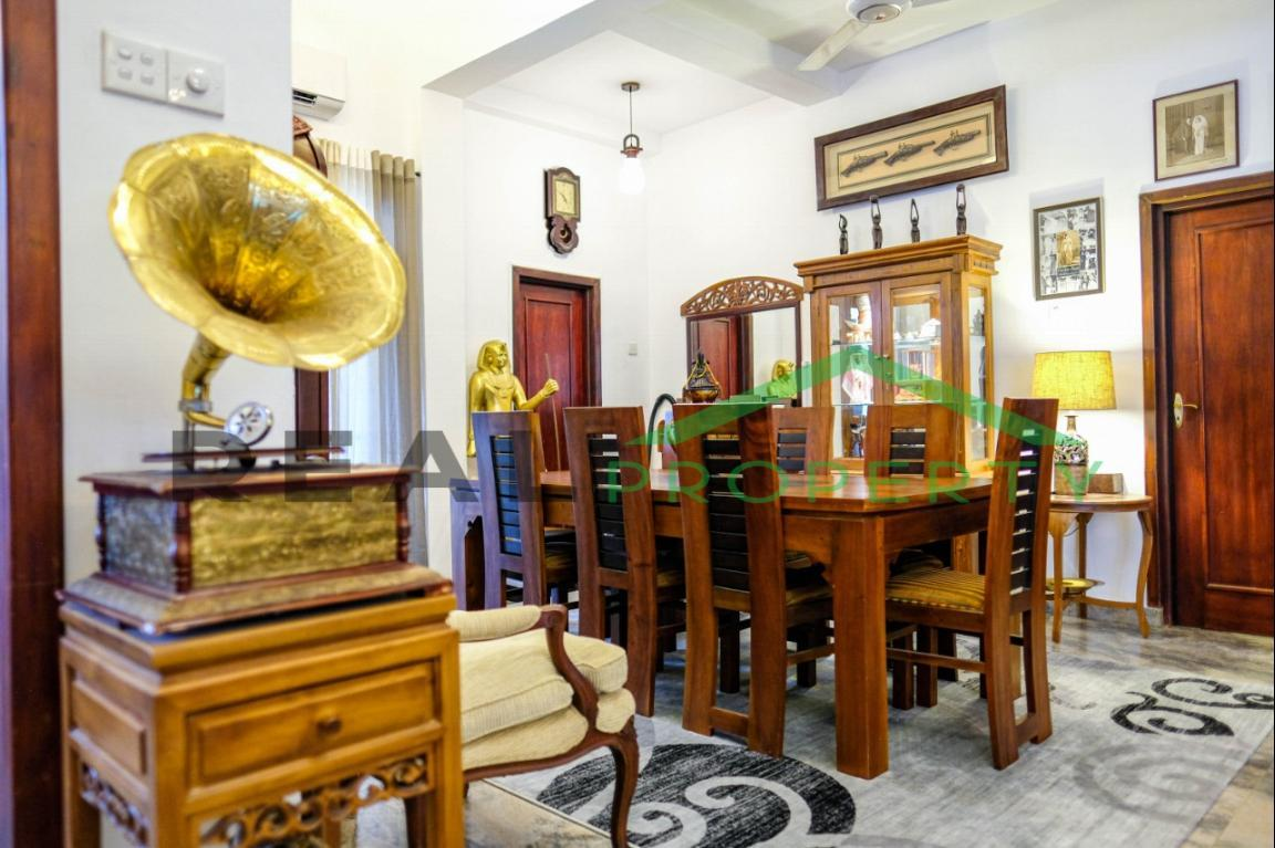 Exotic Fully Furnished 4 Bedroom House for Sale in Dehiwala-image 4