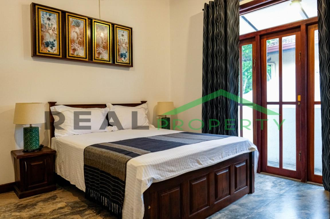 Exotic Fully Furnished 4 Bedroom House for Sale in Dehiwala-image 6