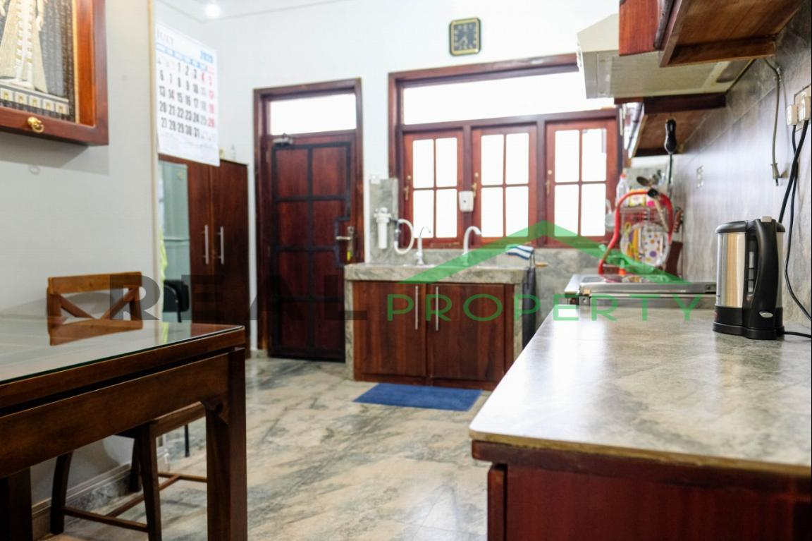 Exotic Fully Furnished 4 Bedroom House for Sale in Dehiwala-image 9