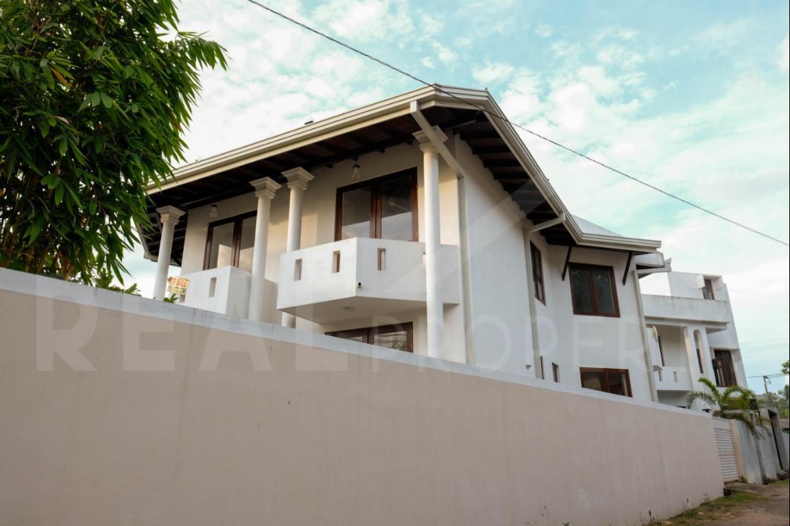 House for Sale in Thalawathugoda-image 2