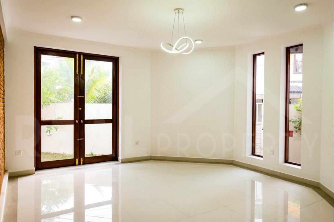 House for Sale in Thalawathugoda-image 3