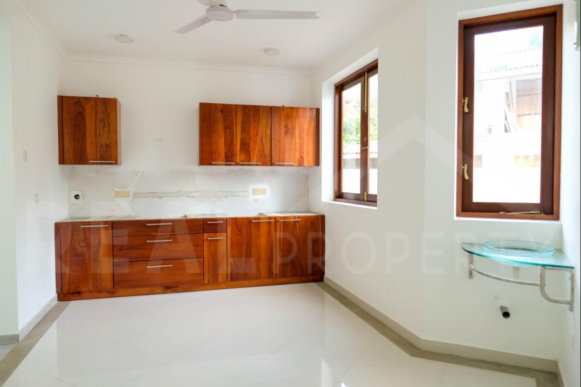 House for Sale in Thalawathugoda-image 5