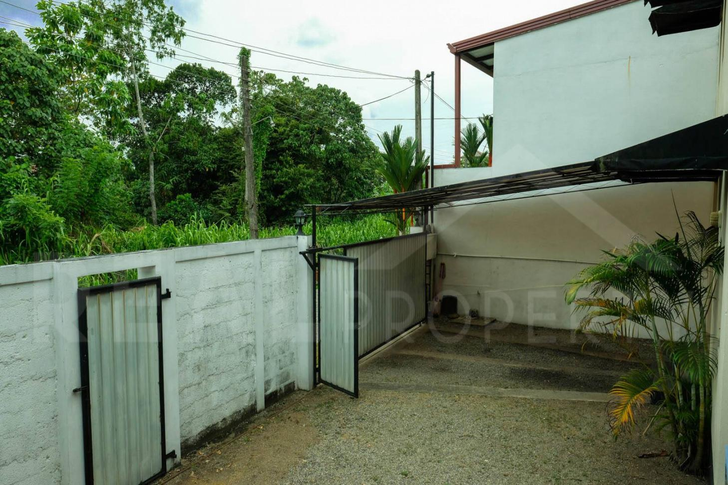 House for Sale in Malabe-image 9