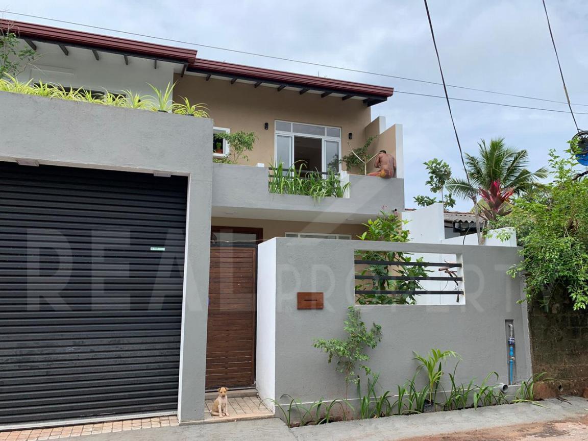 Brand new Luxury House for Sale in Pannipitiya-image 1