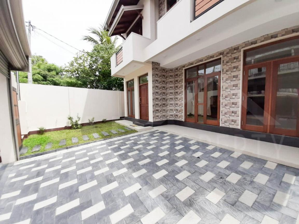 Brand New House For Sale In Kalubowila-image 9