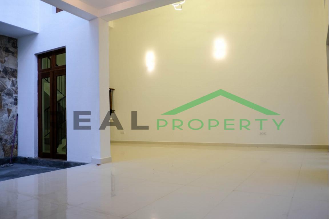 House for Sale in Hokandara-image 2