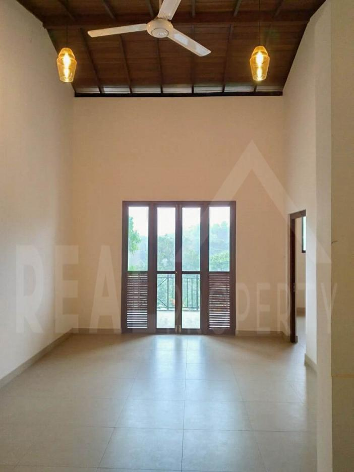 House for Sale in Malabe-image 5
