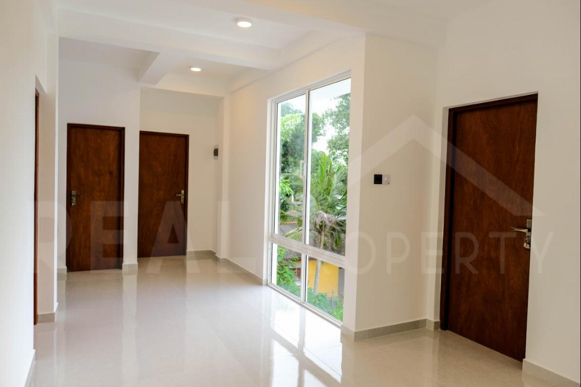 House for Sale in Battaramulla-image 3
