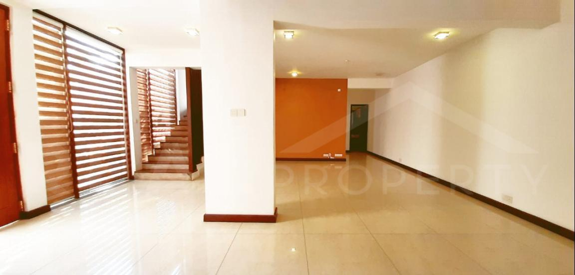 House for Sale in Colombo 05-image 2