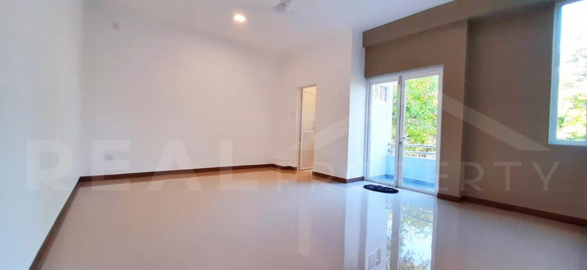 House for Sale in Negombo-image 5