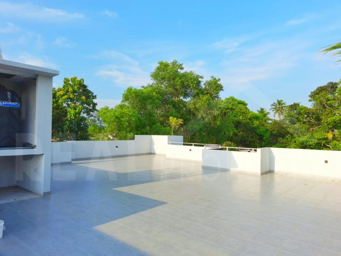 House for Sale in Negombo-image 7