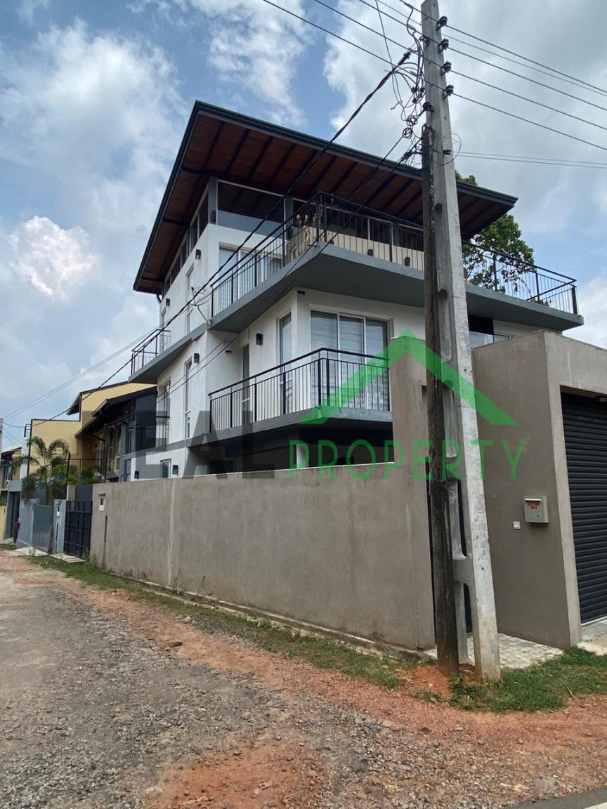 Luxury 3 Storey House For Sale in Thalawathugoda.-image 2
