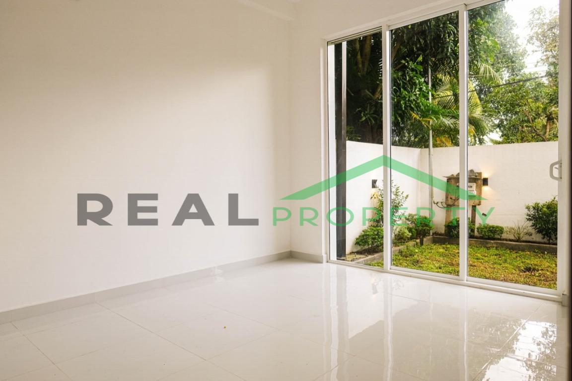 Brand new Luxury House for Sale in Battaramulla- Koswatta-image 5