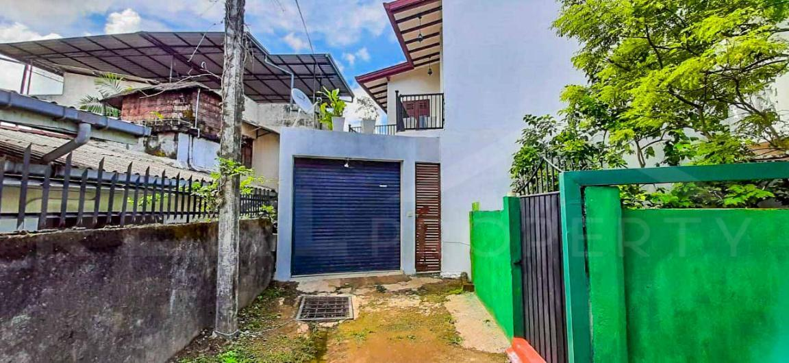 House for Sale in Boralesgamuwa-image 1