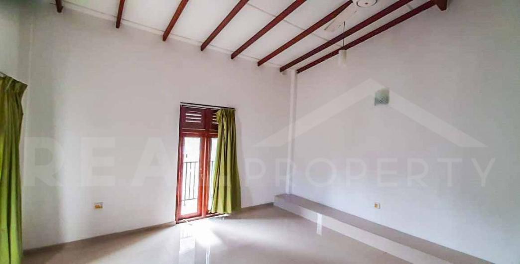 House for Sale in Boralesgamuwa-image 2