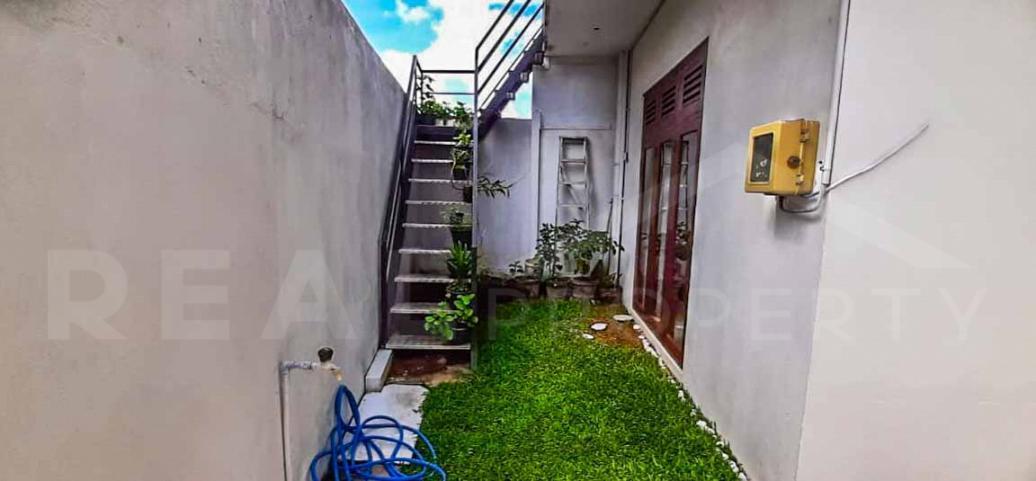 House for Sale in Boralesgamuwa-image 5